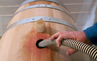 Vinproduksjon på Cascina Castagna, norsk vingård i Piemonte, Nord-Italia