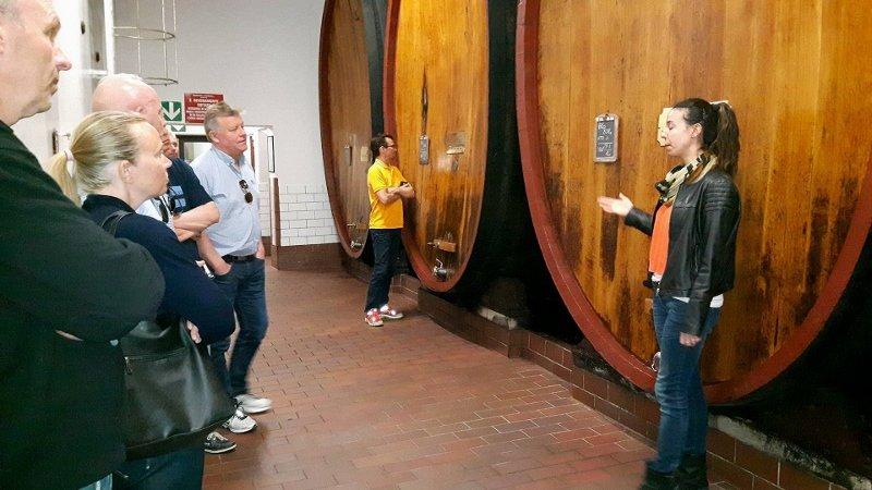 Vinklubben, vinsmakingstur, mat og vintur